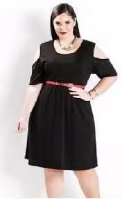 Vestido Ombro Aberto Plus Size