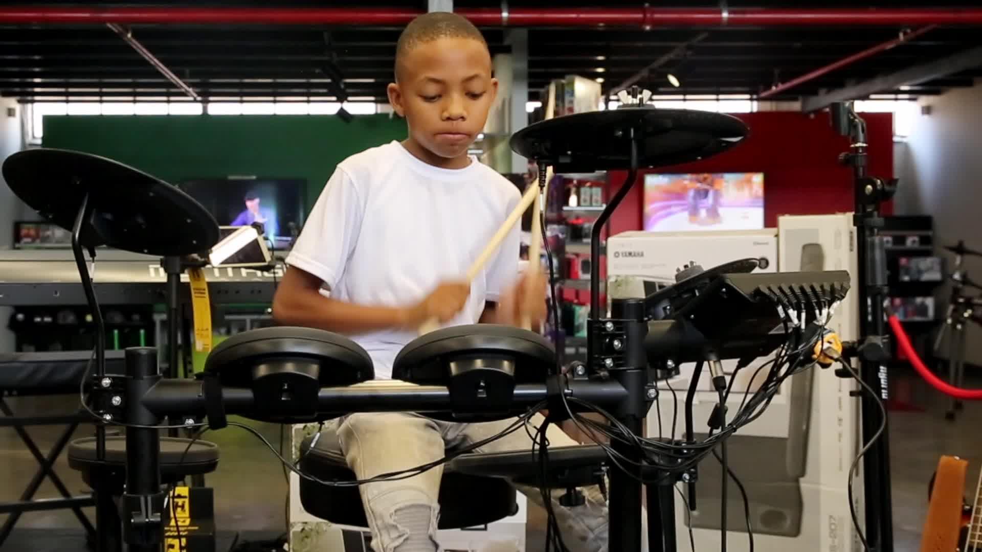 Icons TV - Yamaha Electric Drum Set