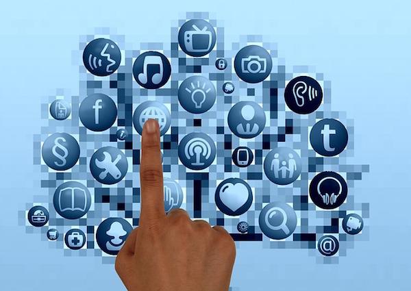 Escola de cursos e a internet