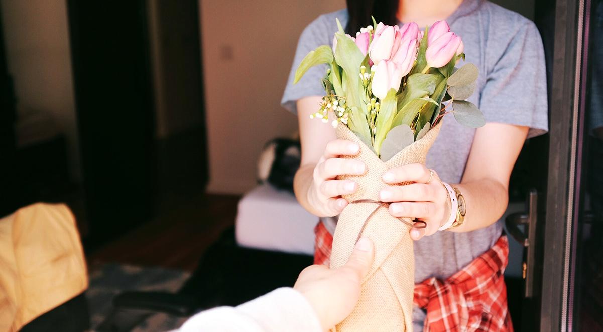 Consejos para regalar flores para cada persona