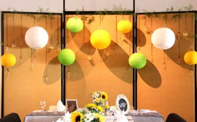 She Says: Cheerful & Graphic-Inspired Wedding in the Garden