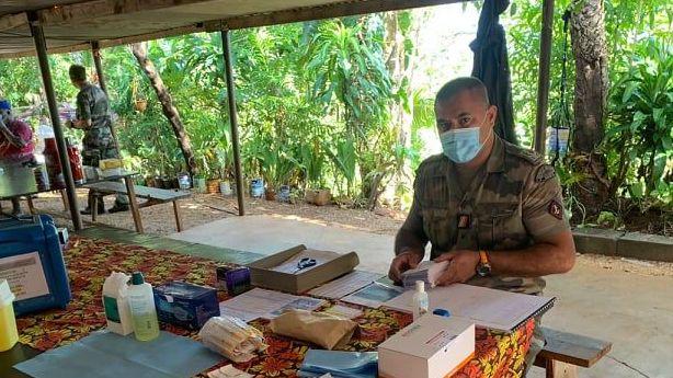 Les FANC et le RSMA à Bélep pour la vaccination.