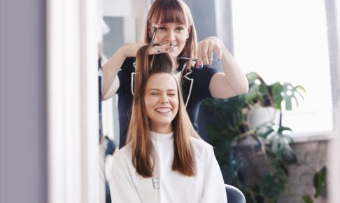 女性の髪型