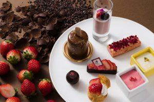 苺とチョコレートを組み合わせたアフタヌーンティー