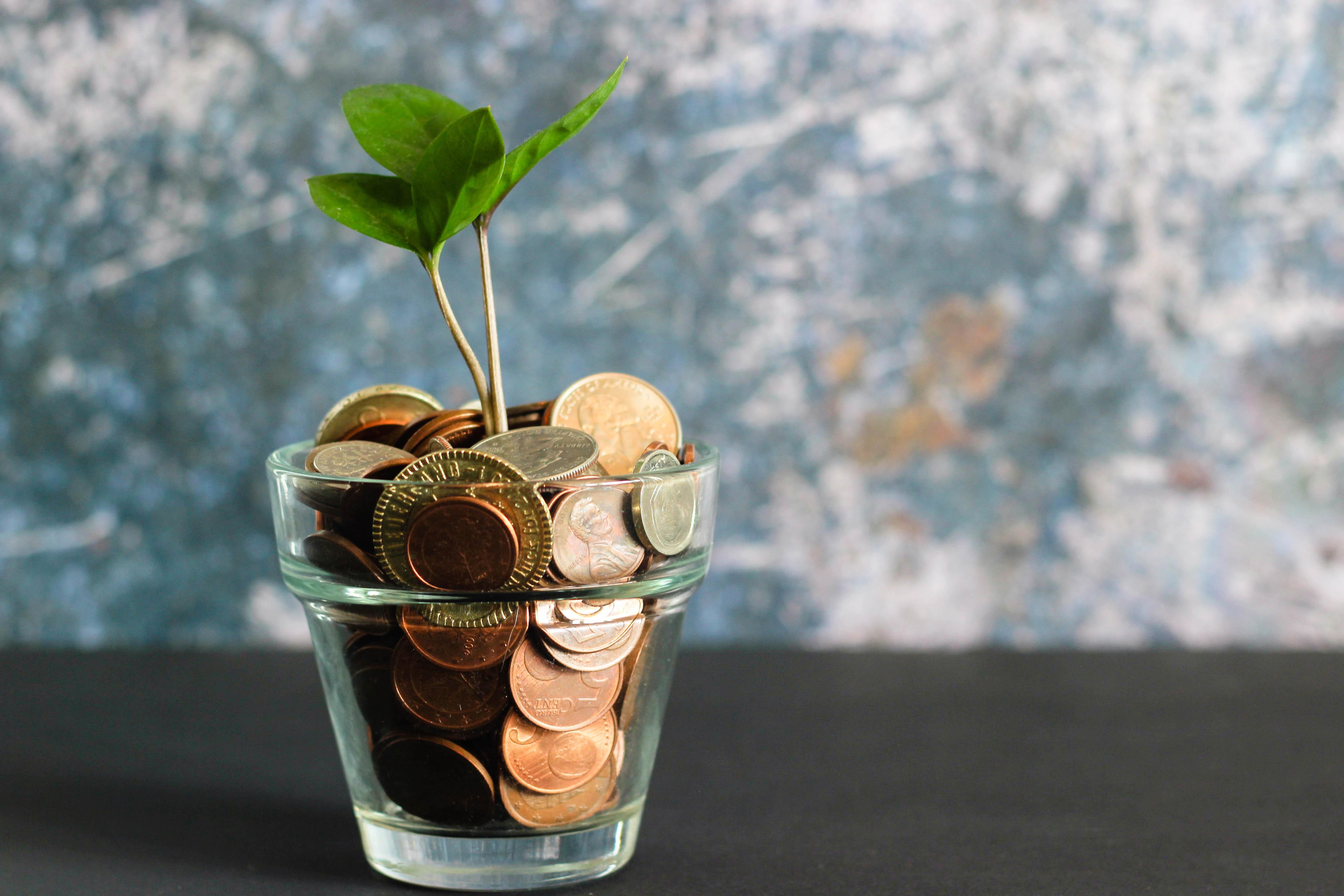 シングルマザーの収入はいくらあれば安心?母子家庭の平均年収と必要なお金