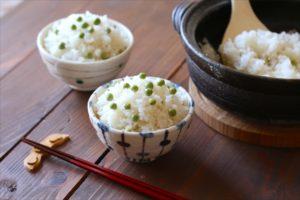 「さやごと」が美味しさの秘密!旬のえんどう豆で作る土鍋豆ごはん