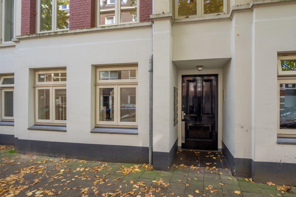 Mgr. van de Weteringstraat, Utrecht foto-1