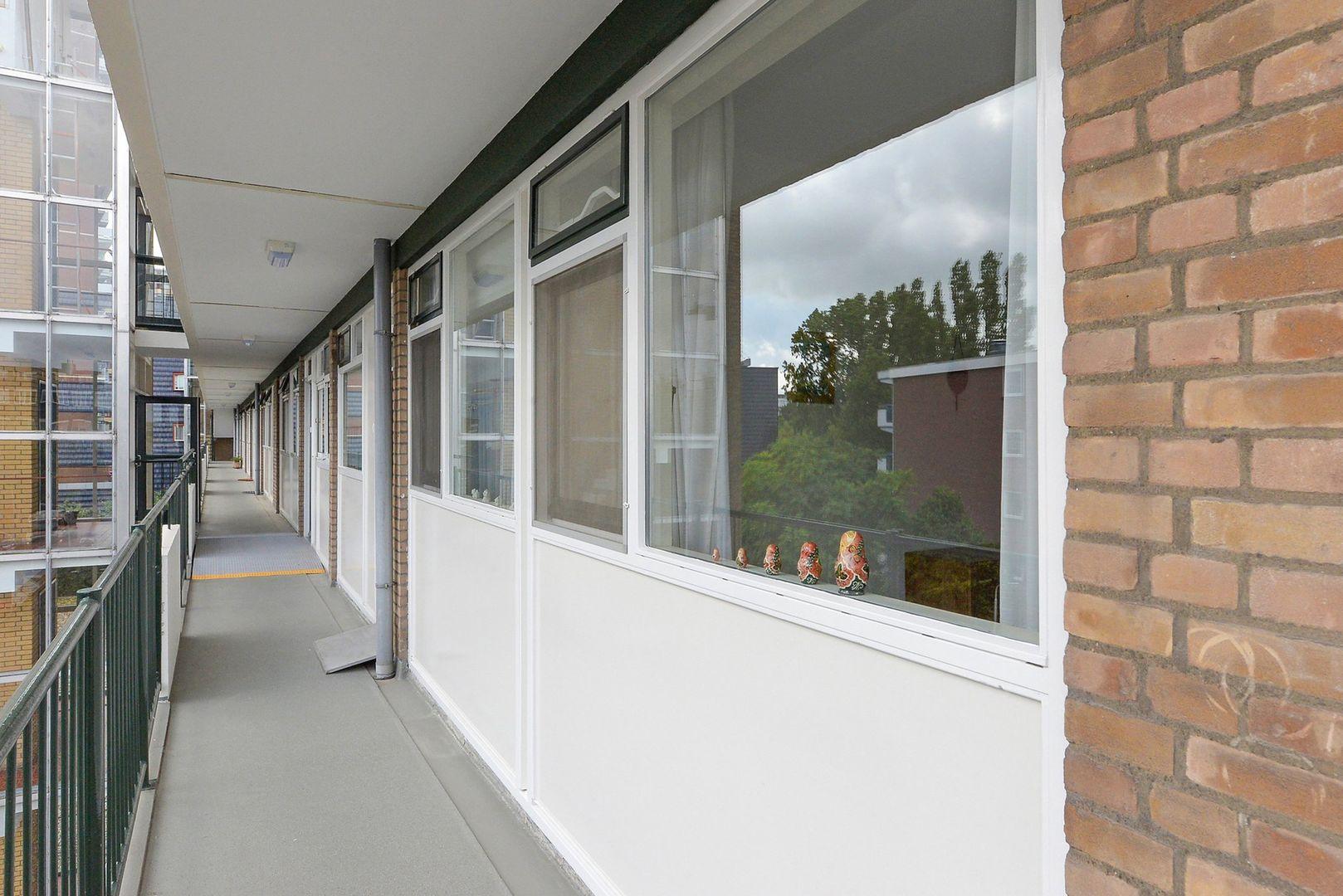Papsouwselaan 255, Delft foto-10