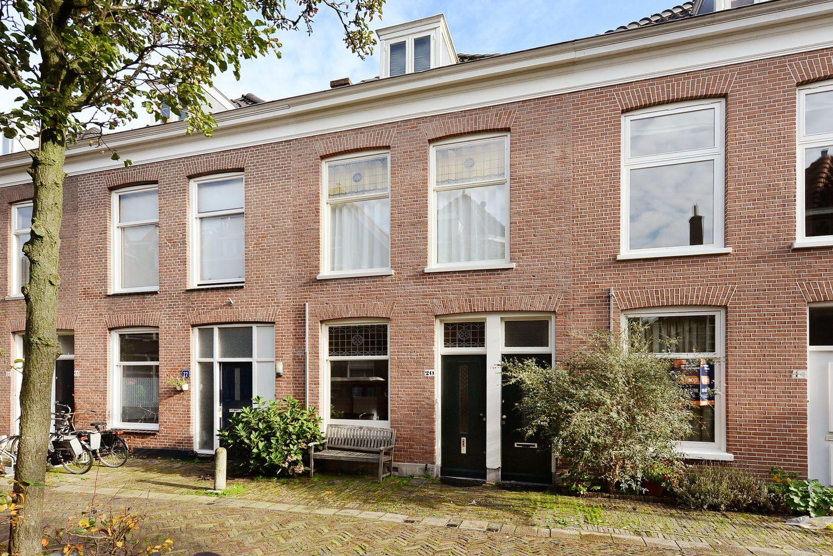 Warmoezierstraat 20, Delft foto-0