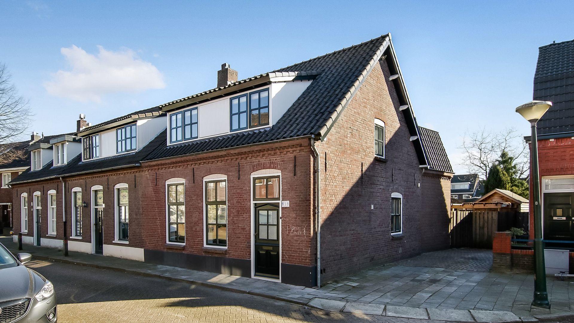 Melkweg Garderobe Prijs.Melkweg 59 Hoekwoning In Eindhoven Kin Makelaars