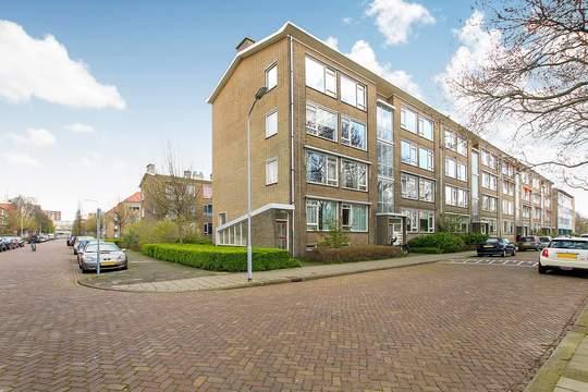 Aart van der Leeuwkade 42, Voorburg