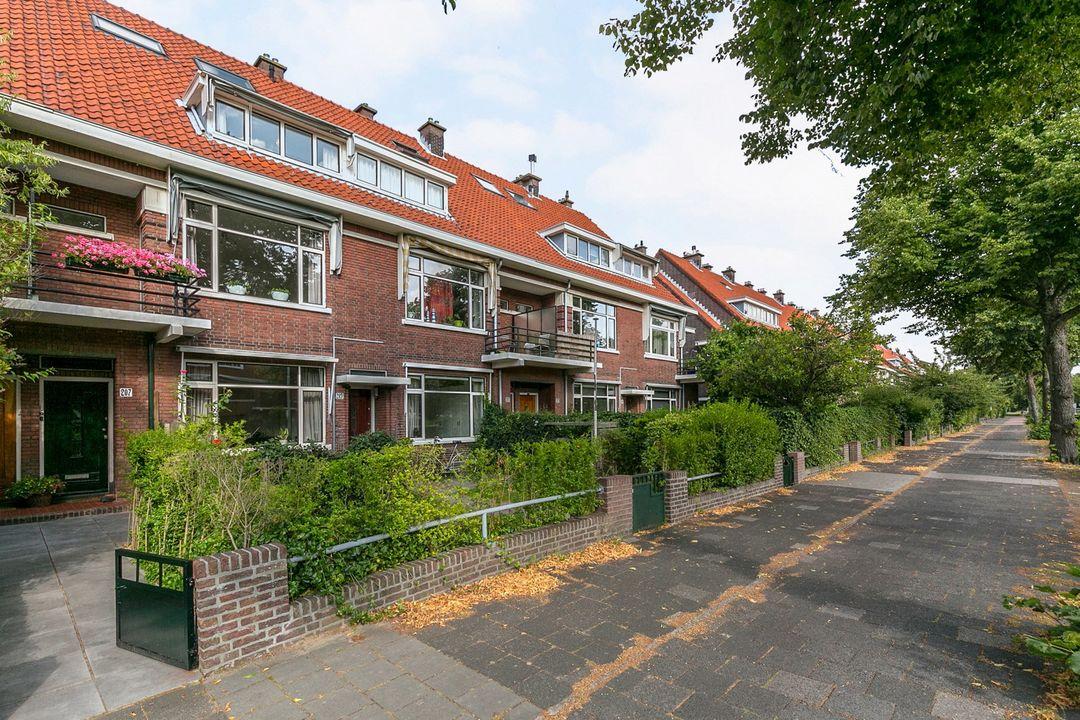 Laan van Nieuw Oosteinde 207, Voorburg foto-1