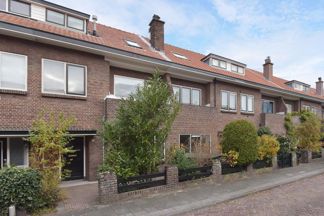Eemwijkstraat 27, Voorburg foto-0