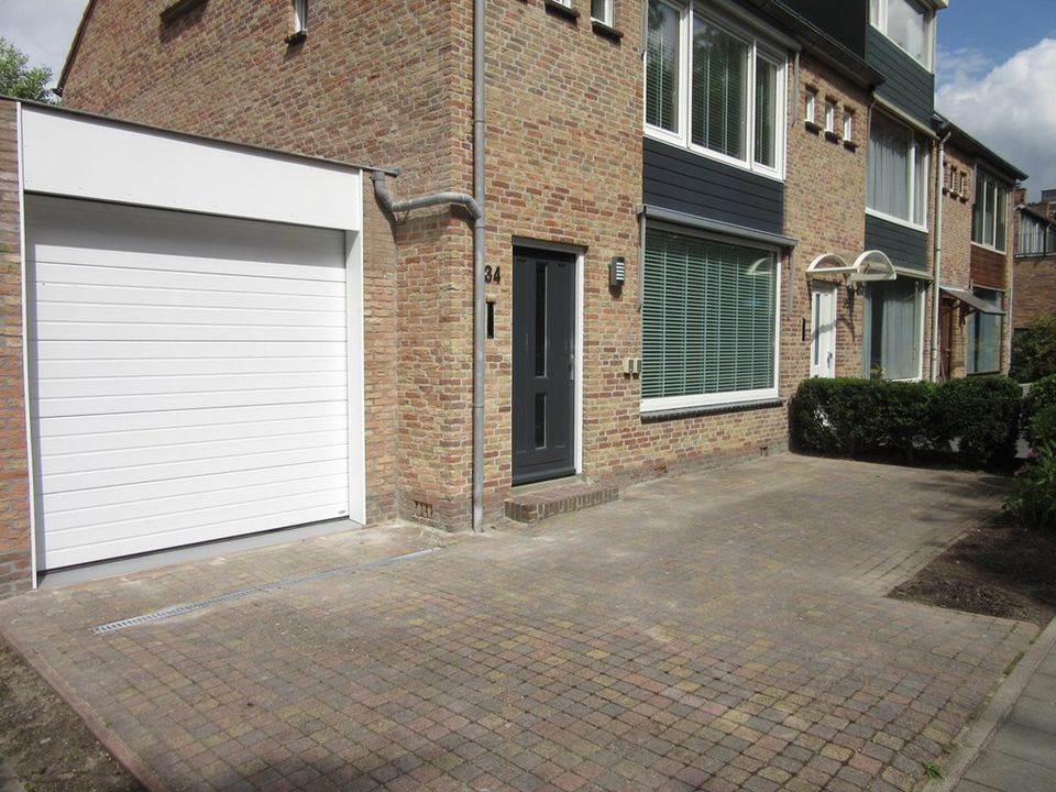 Mr. F.A. Van Hallweg, Amstelveen