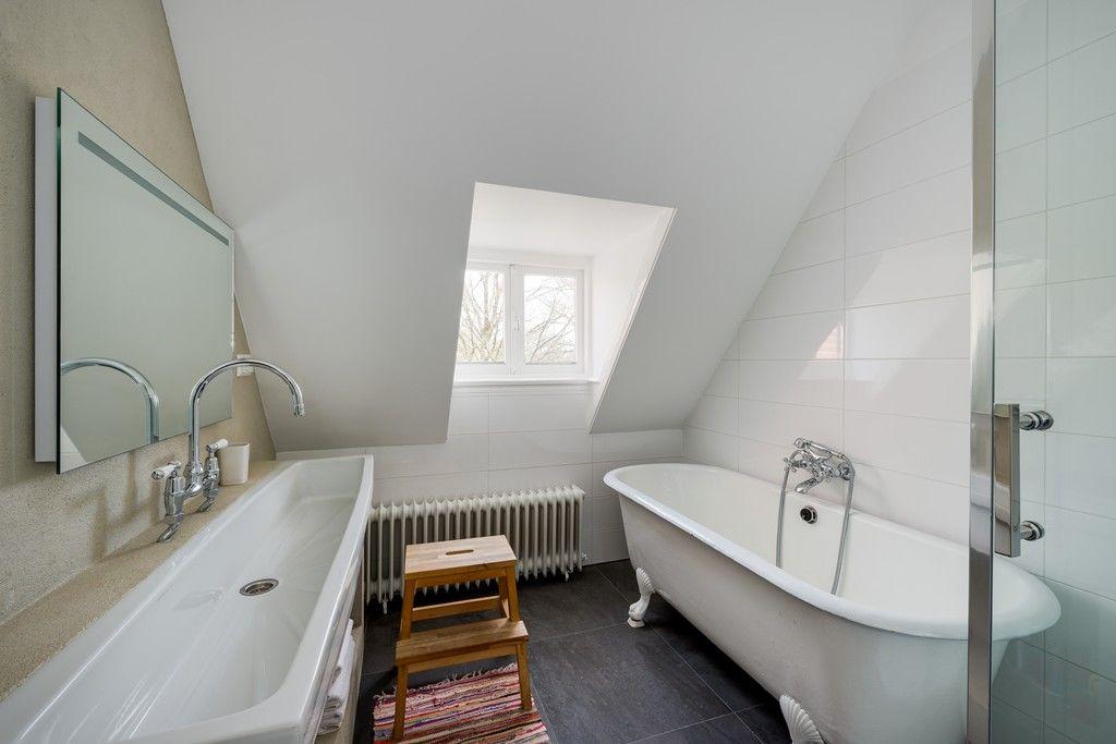 Traditional Bathrooms Haarlem.Schotersingel 159 Haarlem Lighthouse Property Services
