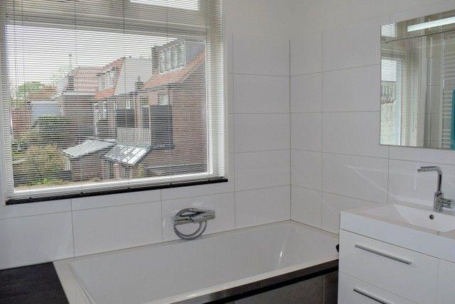 Traditional Bathrooms Haarlem.Meester Cornelisstraat 116 Haarlem Lighthouse Property