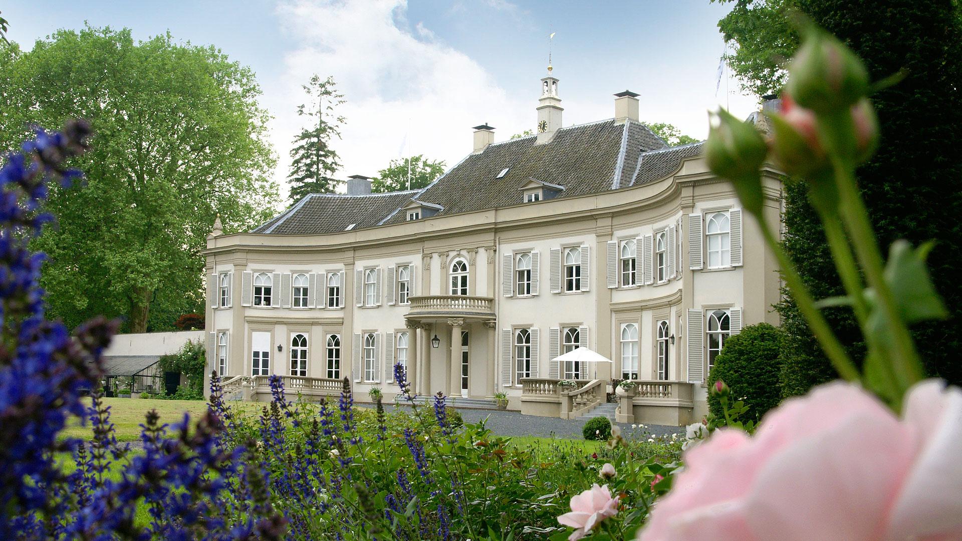 Landfortseweg 4 landhuis in megchelen for Landhuis te koop