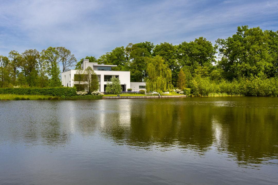 Villas / Stadthäuser für Verkauf beim Laan van Napoleon 15 Laan van Napoleon 15 Winterswijk, Gelderland,7101PK Niederlande