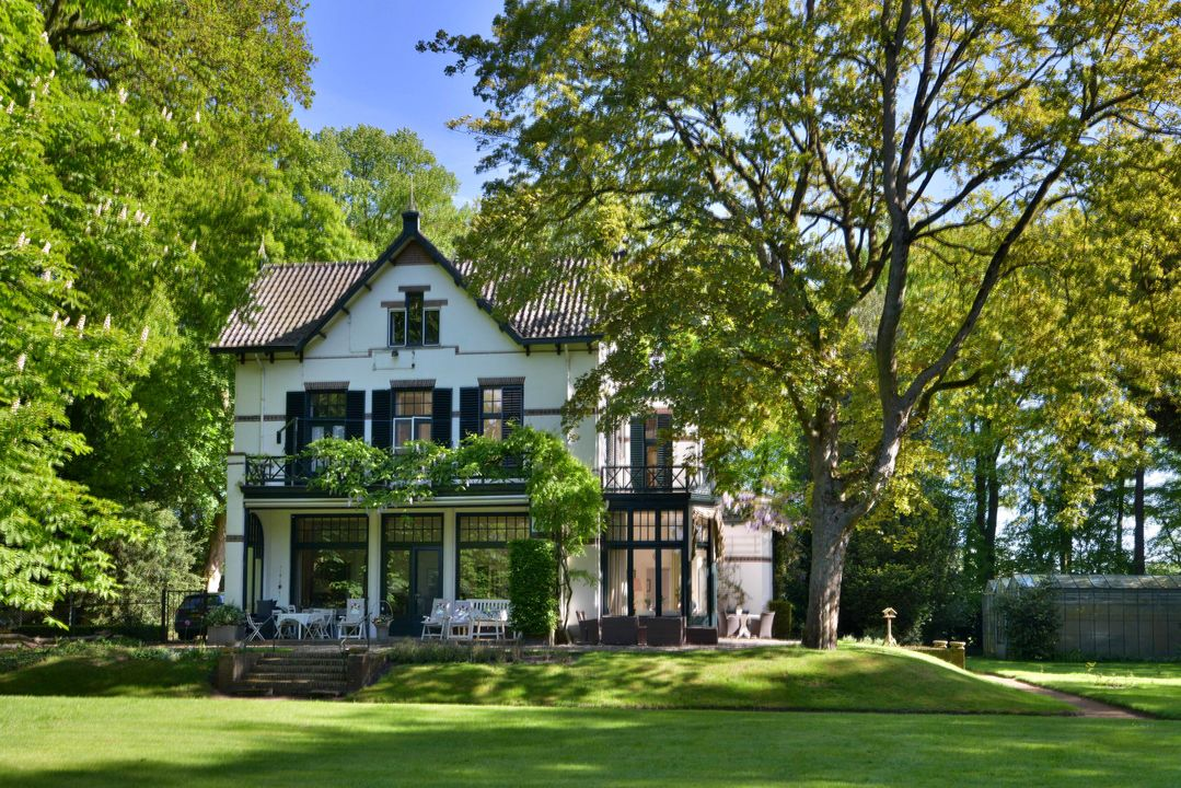 Villas / Stadthäuser für Verkauf beim Schurinklaan 24 Schurinklaan 24 Eefde, Gelderland,7211DG Niederlande