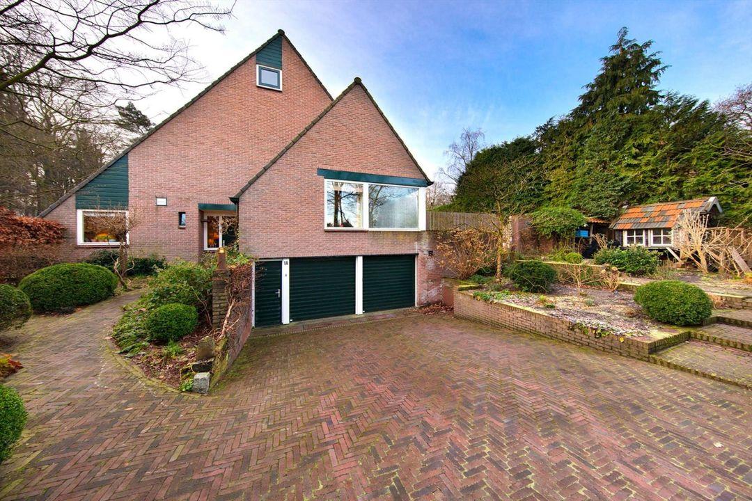 Villas / Moradias em banda para Venda às Vliegheiweg 1 a Vliegheiweg 1 a Huizen, North Holland,1272PH Holanda