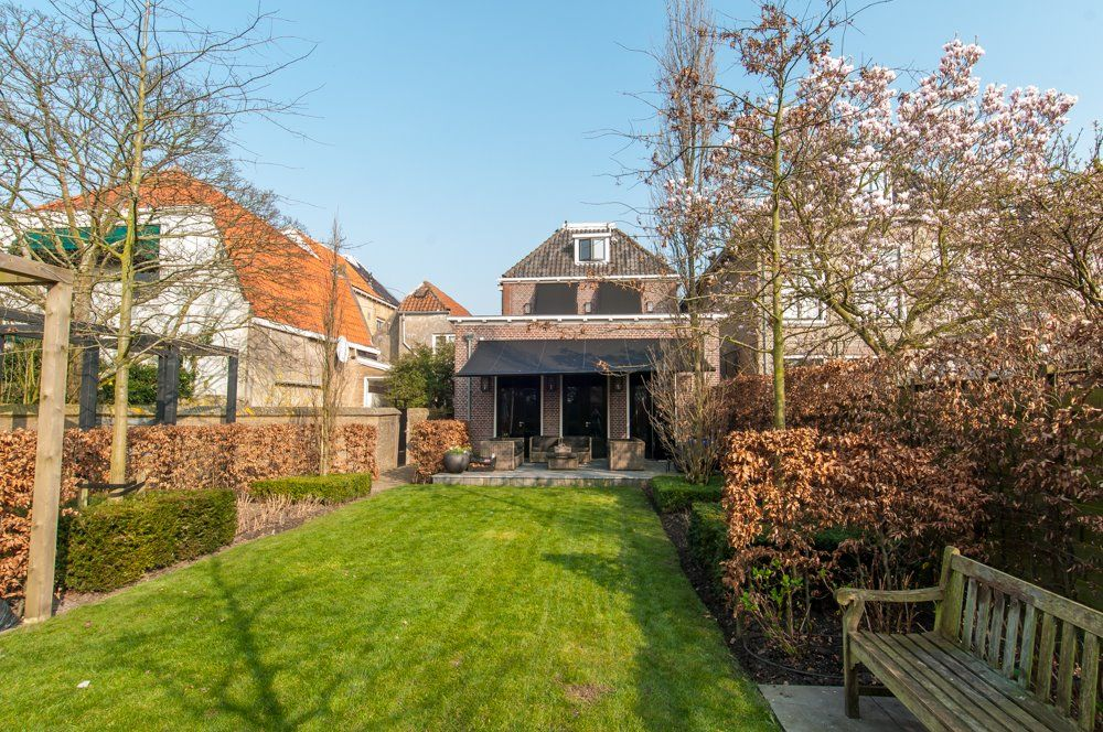 Villas / Townhouses for Sale at Westvoorstraat 10 Oud Beijerland, South Holland,3262JP Netherlands