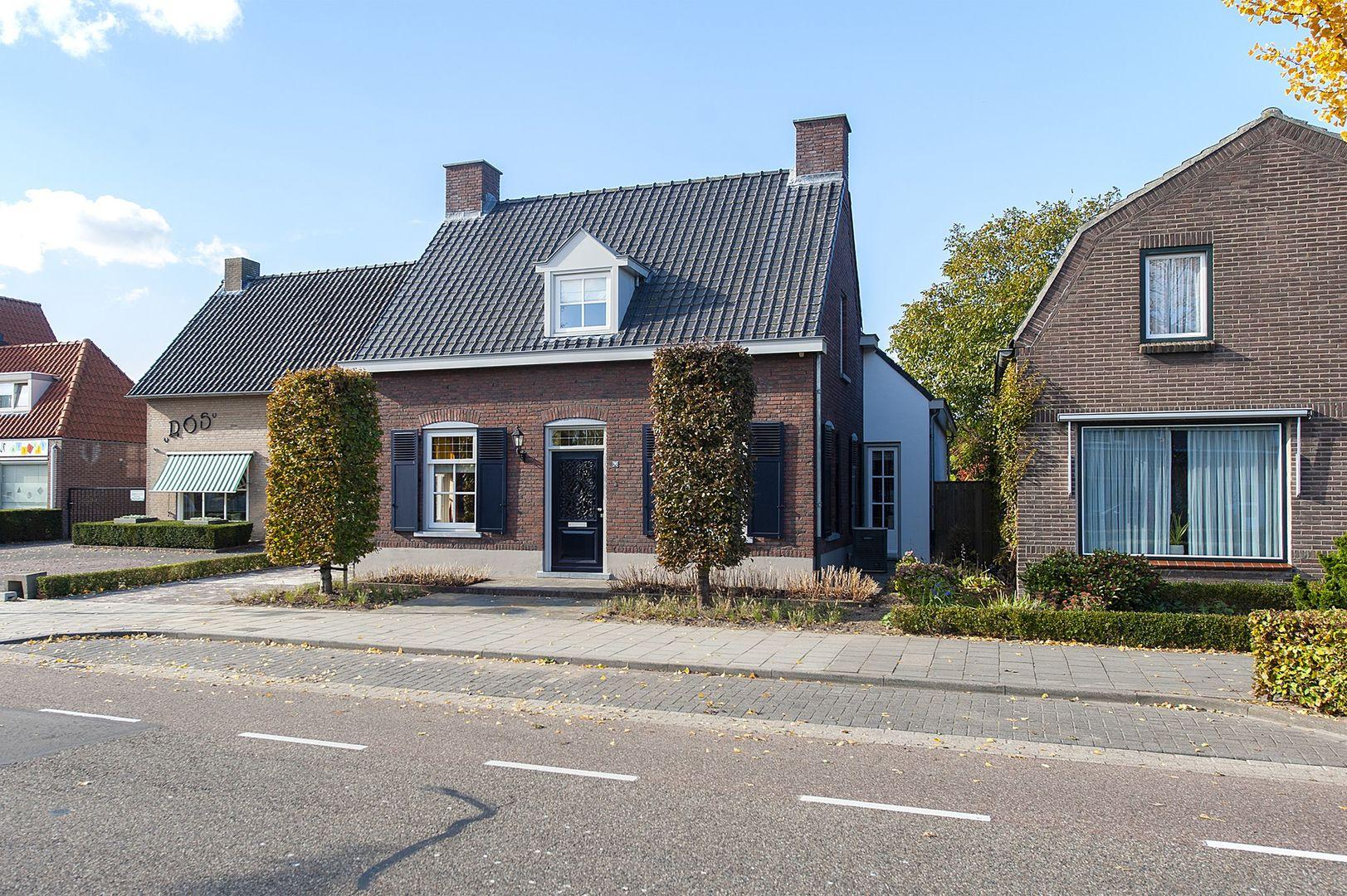 Opwettenseweg 70, Nuenen foto-