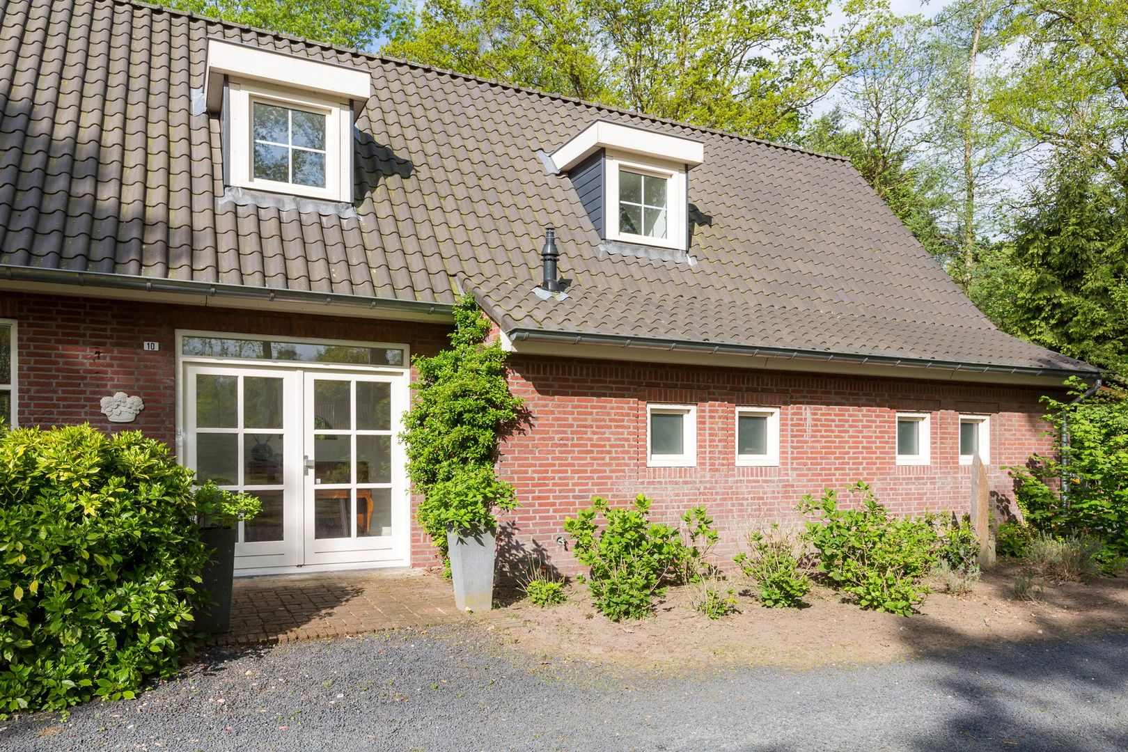 Hazelaar 10, Helmond foto-