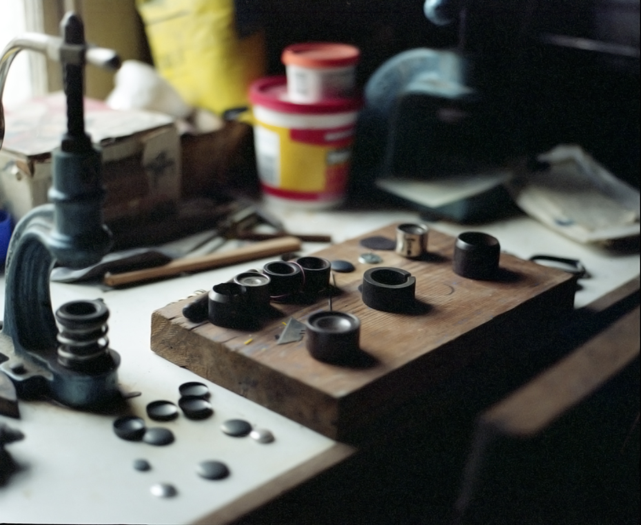Button_machine, upholsterers