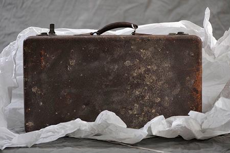 Frieda-B's-suitcase,-unwrapped.-Jon-Crispin