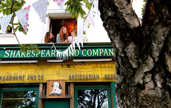 Shakespeare-&-Co-Bard-en-Siene