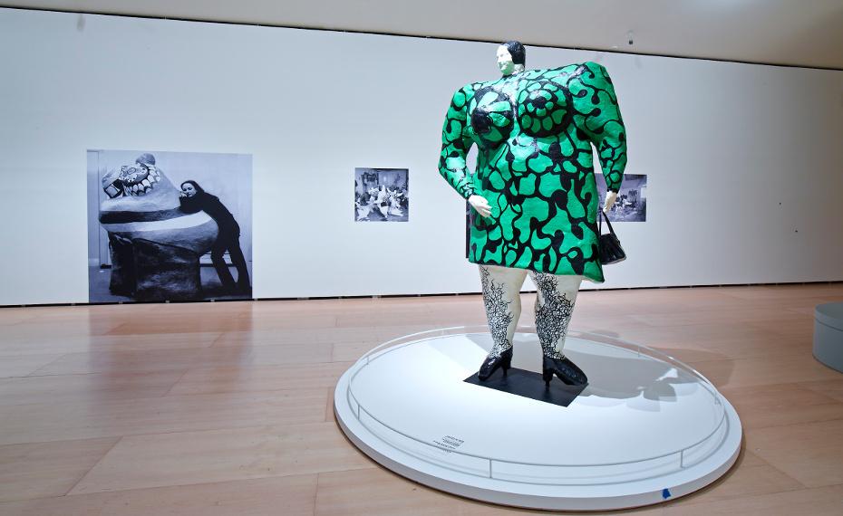 Madam or Green Nana with Black Bag (Madame ou Nana verte au sac noir), 1968