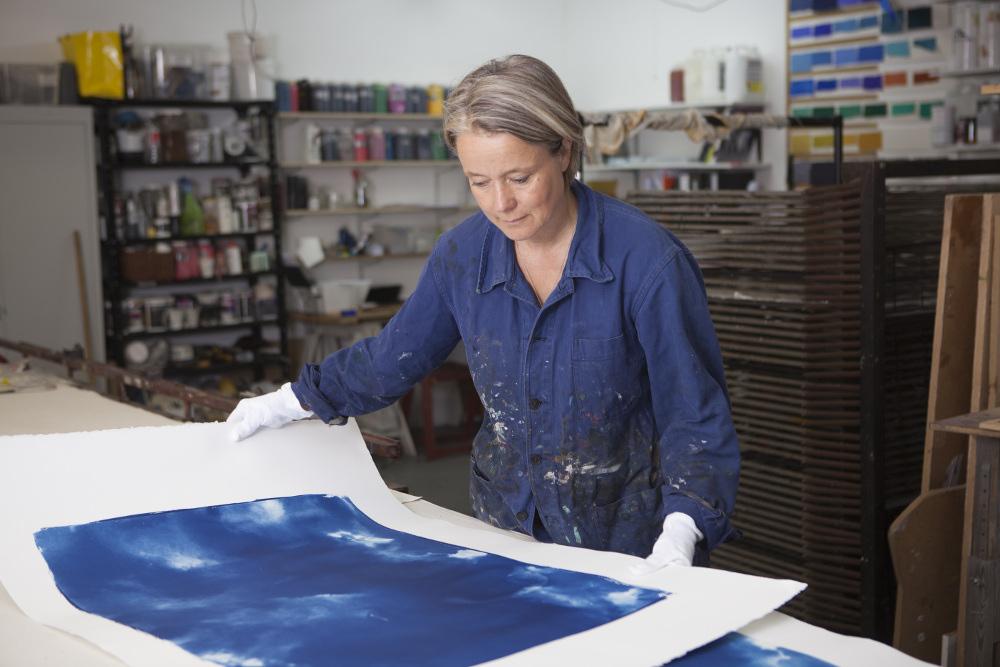 Elisabeth Scheder-Bieschin  in her studio