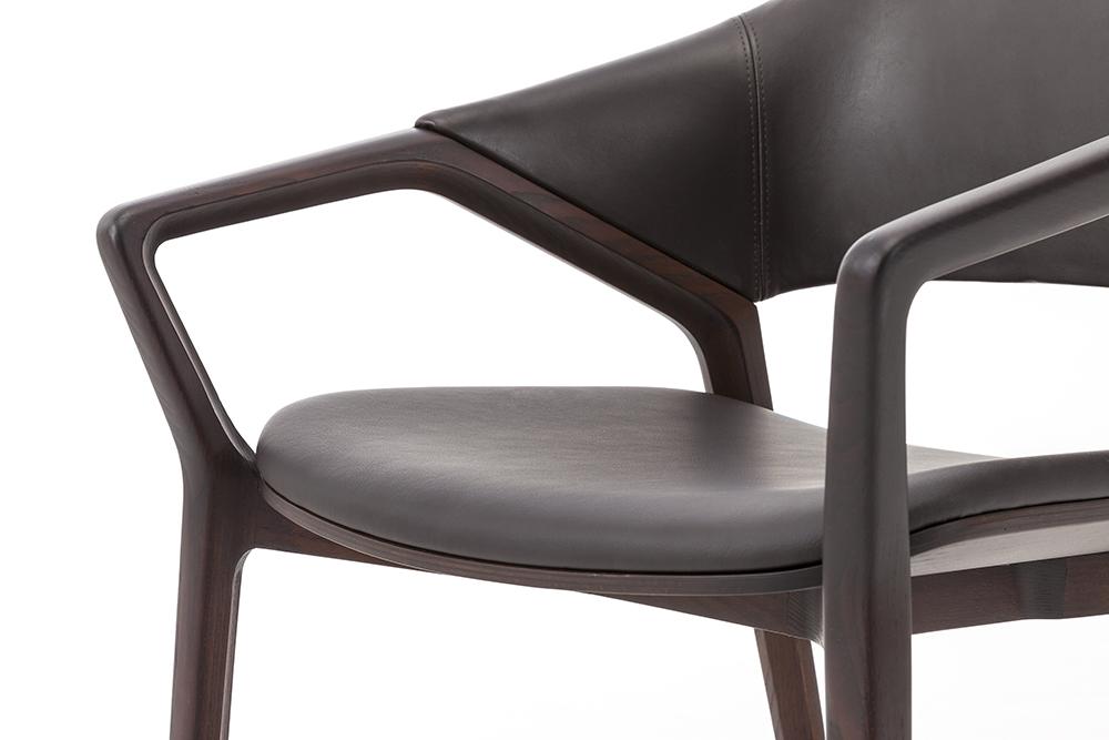 7_CASSINA_Ico chair_Ora Ito_detail