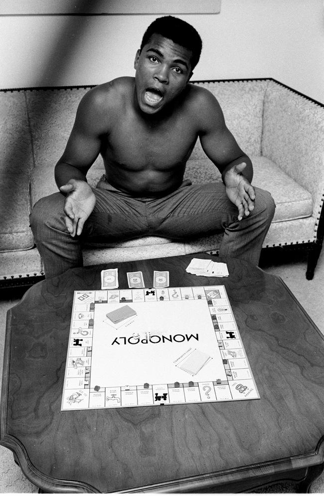 Muhammad Ali, Monopoly, Louisivill, KY, 1963 copyright Steve Schapiro