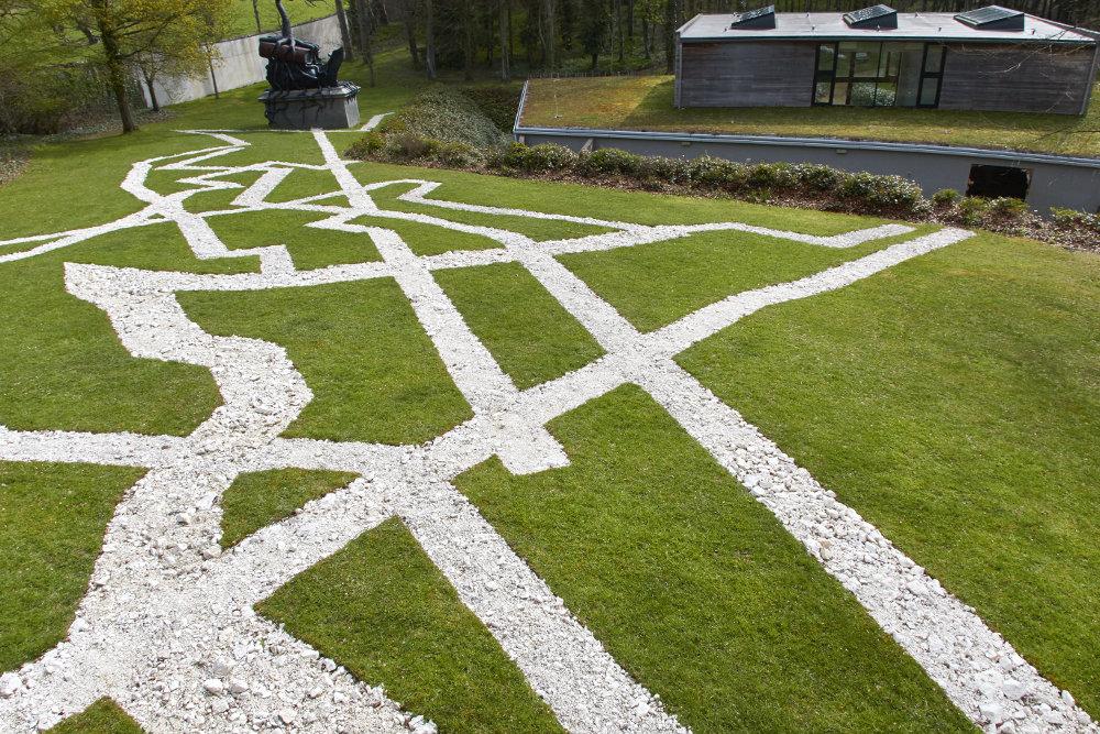 Xu Zhen (Produced by MadeIn Company), Movement Field, Chalk, © Cass Sculpture Foundation