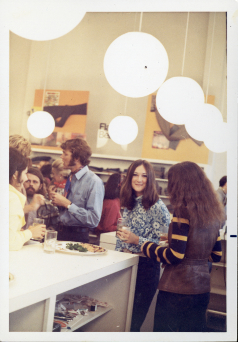 1969-gap-opening-party-image-4