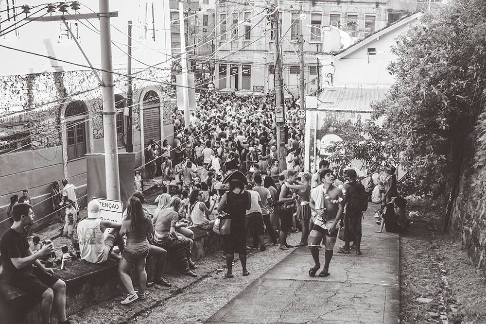The packed streets of the bloco in Santa Teresa
