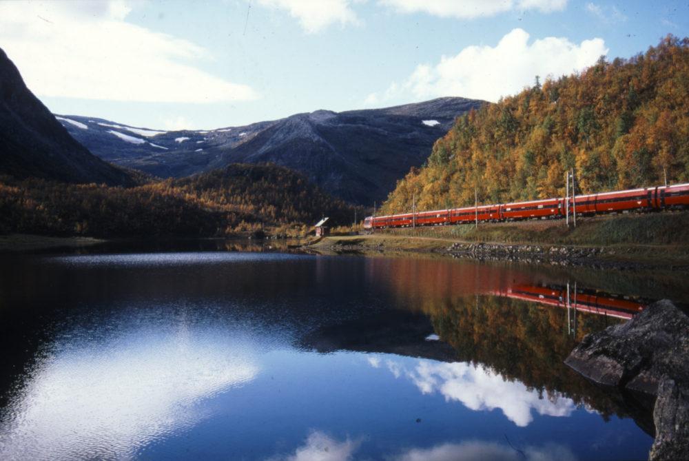 Bergensbanen – minutt for minutt / photograph by Rolf Sørensen
