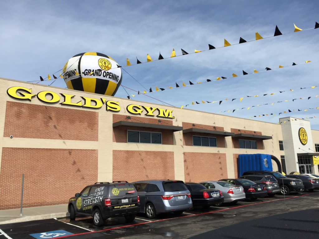 Golds Gym on Site Advertising
