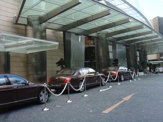 ST Regis Bentley Car Service