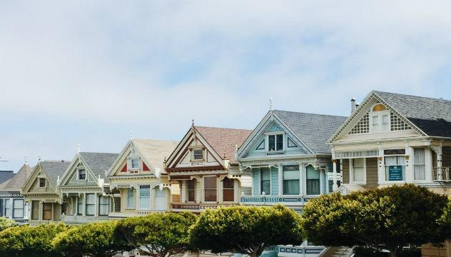 row of painted ladies houses