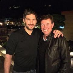 Bitva legend! Gretzky vyzval Ovečkina a chce vyhrát. Rus je spíš na střílečky