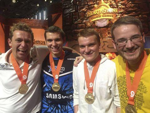 Čeští hráči ovládli světový šampionát v karetní hře Hearthstone •Foto: Facebook.com/officialczechcloud