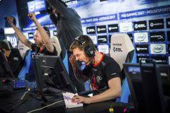 V Katovicích probíhá svátek esportu. Na Counter-Strike se stojí neskutečné fronty