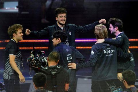 OG ovládli turnaj The International v počítačové hře Dota 2 podruhé za sebou •Foto: Reuters