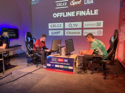 III. offline finále iSport LIGY ve studiu RE-PLAY •Foto: Sport