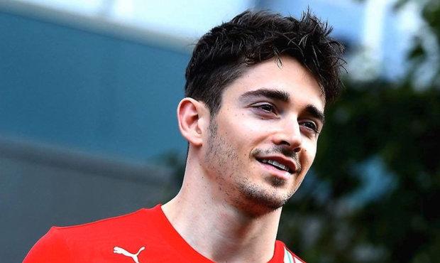 Pilot F1 Leclerc z Ferrari suverénně vyhrál virtuální závod v Austrálii