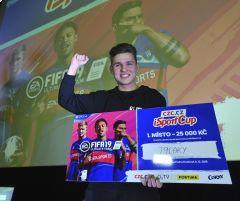 Vítěz iSport Cupu: Chci vyhrát i ligové offline finále. Favorit je ale RIIJK