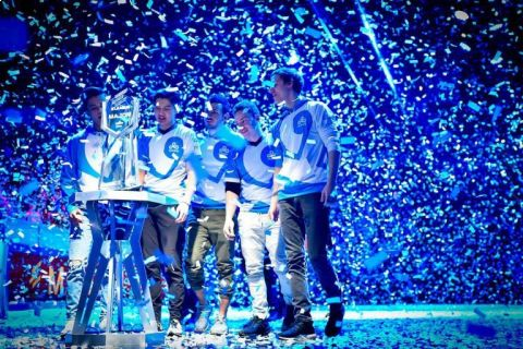 První Major trofej pro severoamerické CS:GO •Foto: es.me