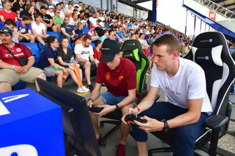 Jakub Jankto a Emerickson při vzájemném showmatchi •Foto: Pavel Mazáč (Sport)